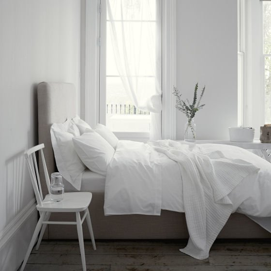 White summer bedlinen from The White Company in contemporary bedroom