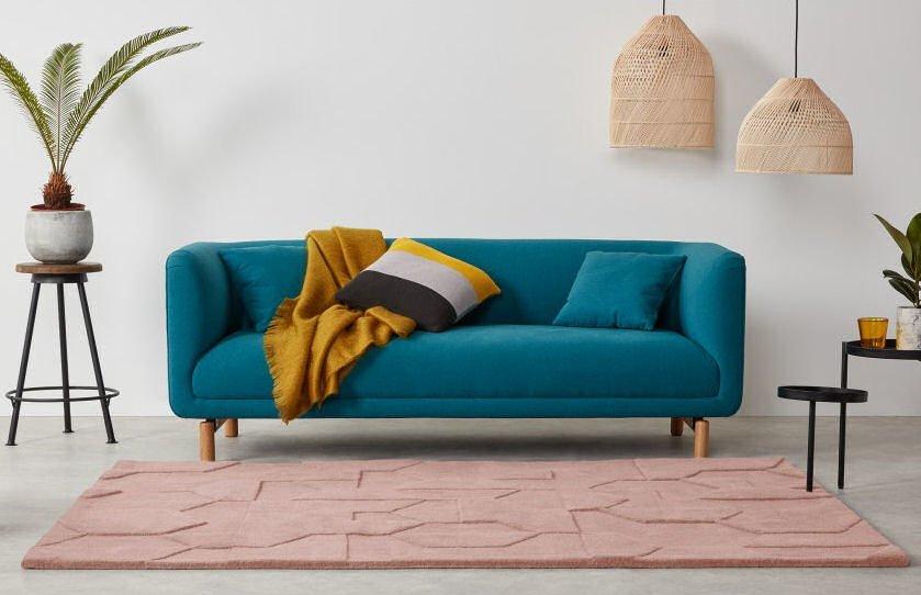 Hayden carved wool rug in blush pink