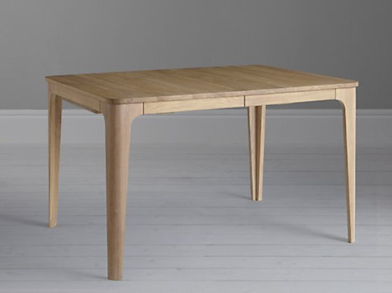 Top 10 contemporary dining tables for small spaces for Small designer dining table