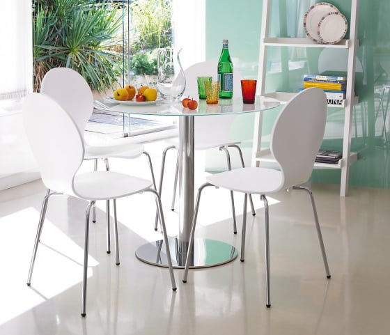 Top 10 contemporary dining tables for small spaces  : Gino White Glass Dining Table from www.colourfulbeautifulthings.co.uk size 560 x 481 jpeg 207kB