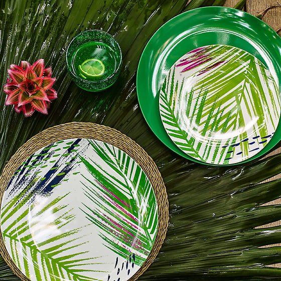 Colourful melamine outdoor tableware and picnicware