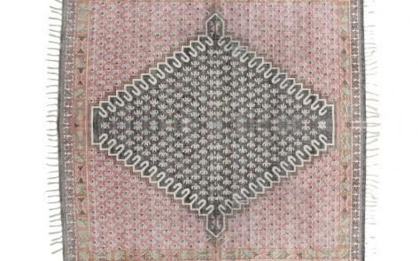 Poppy-Field-Rug reature