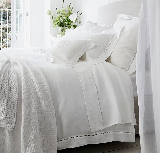 Santorini pure linen luxury bedlinen from The White Company, white 100% linen sheet, white linen duvet cover and linen pillowdases
