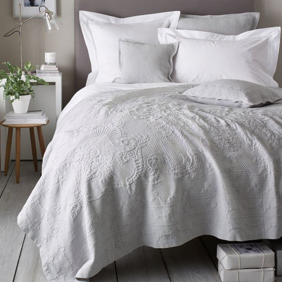 The White Company Vintage Etienne Bedspread in white cotton with vintage matelasse pattern