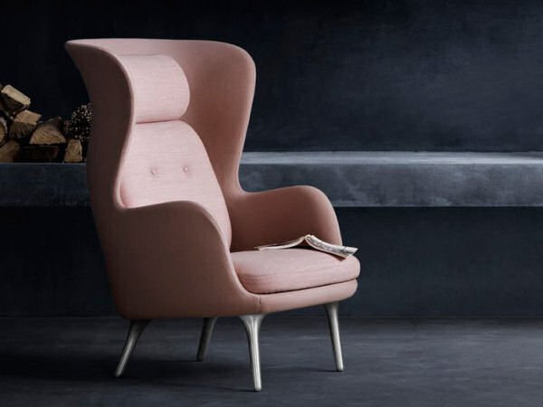 Fritz Hansen Ro Easy Chair - contemporary armchair in wingback style in pink