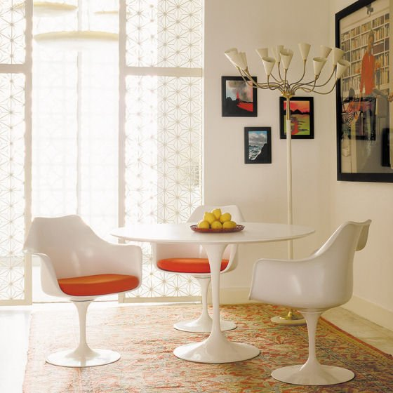 Saarinen White Pedestal Table and Side Chairs