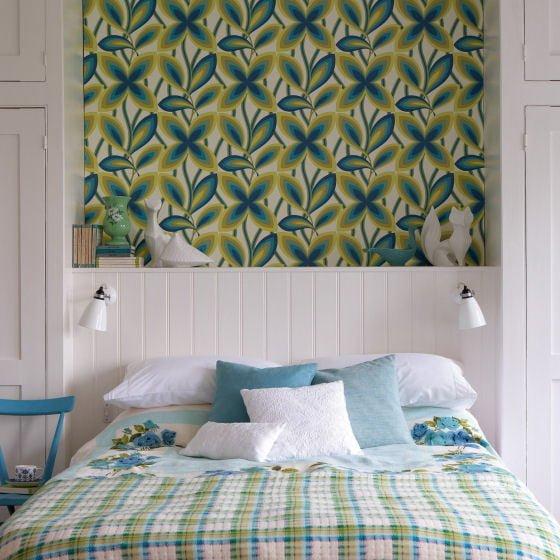 Little Greene wallpaper Starflower - Peacock retro floral wallpaper design